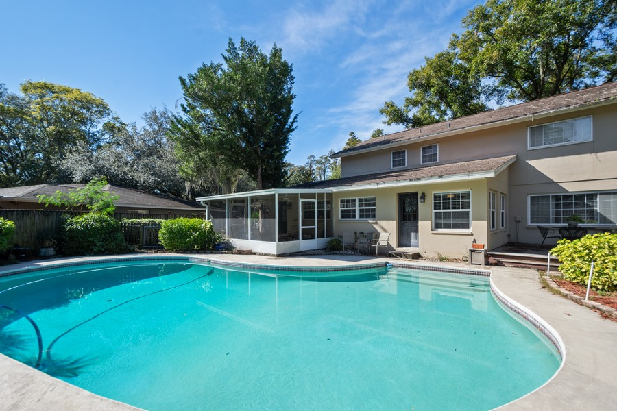 Real Estate Photography - 3424 Lacewood Road, Tampa, FL, 33618 - Pool