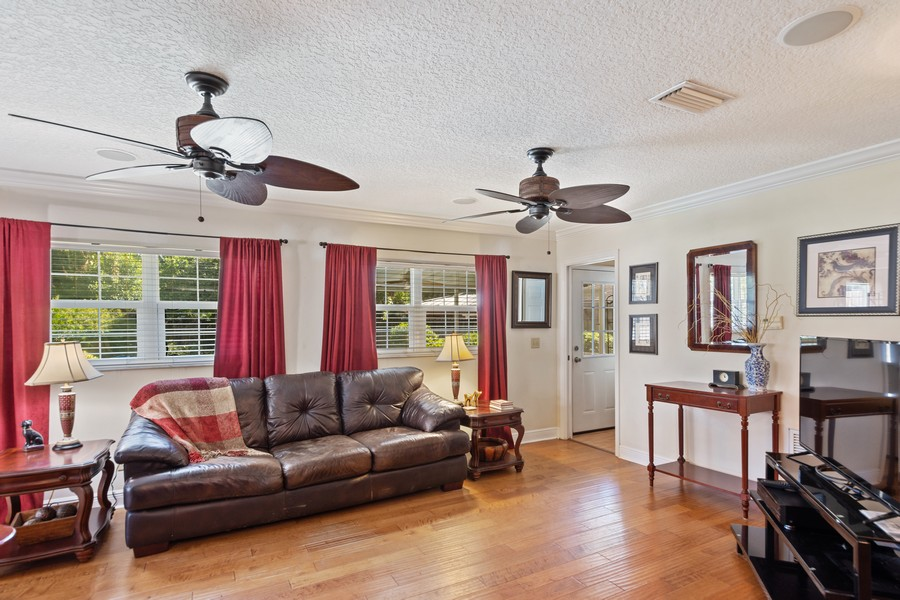 Real Estate Photography - 3424 Lacewood Road, Tampa, FL, 33618 - Family Room