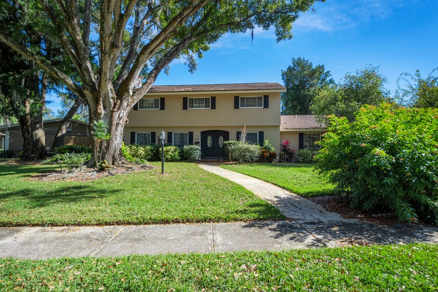 Real Estate Photography - 3424 Lacewood Road, Tampa, FL, 33618 - Front View