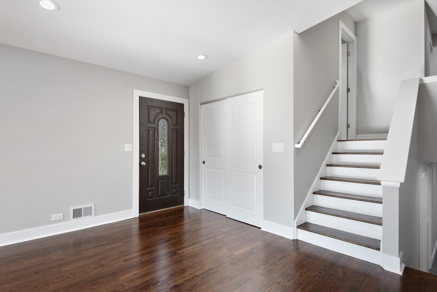 Real Estate Photography - 3534 Arcadia St, Evanston, IL, 60203 - Foyer