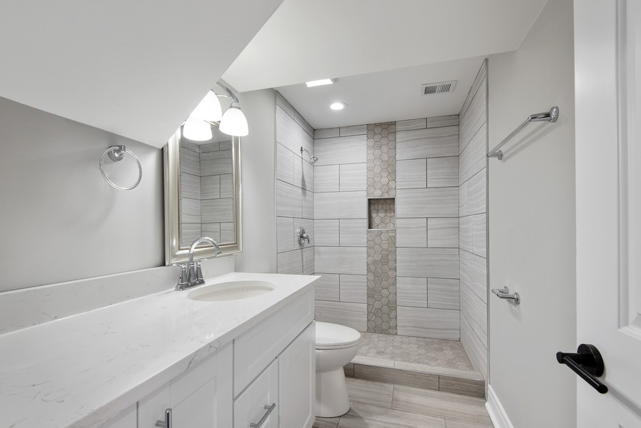 Real Estate Photography - 3534 Arcadia St, Evanston, IL, 60203 - 2nd bathroom