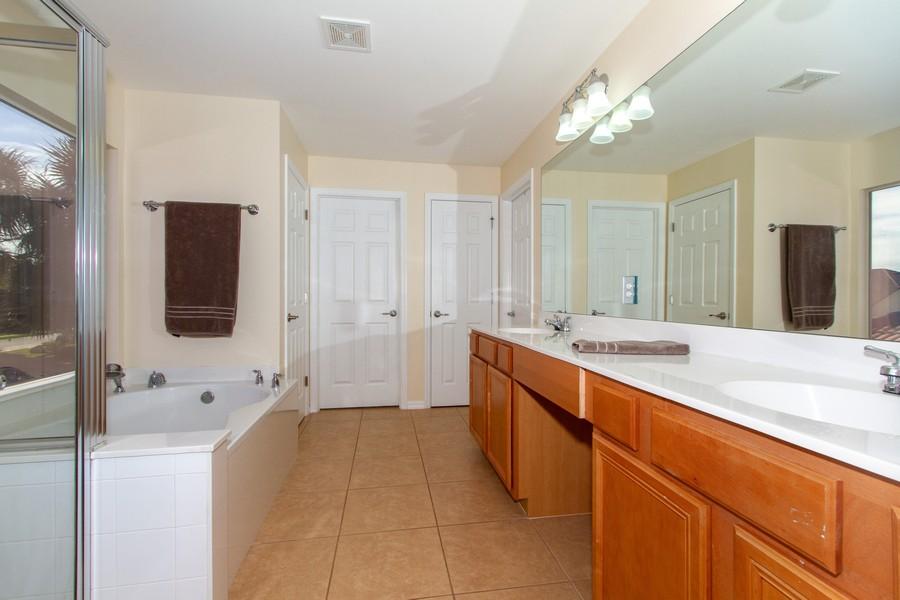 Real Estate Photography - 2099 Sagebrush Cir, Naples, FL, 34120 - Master Bathroom