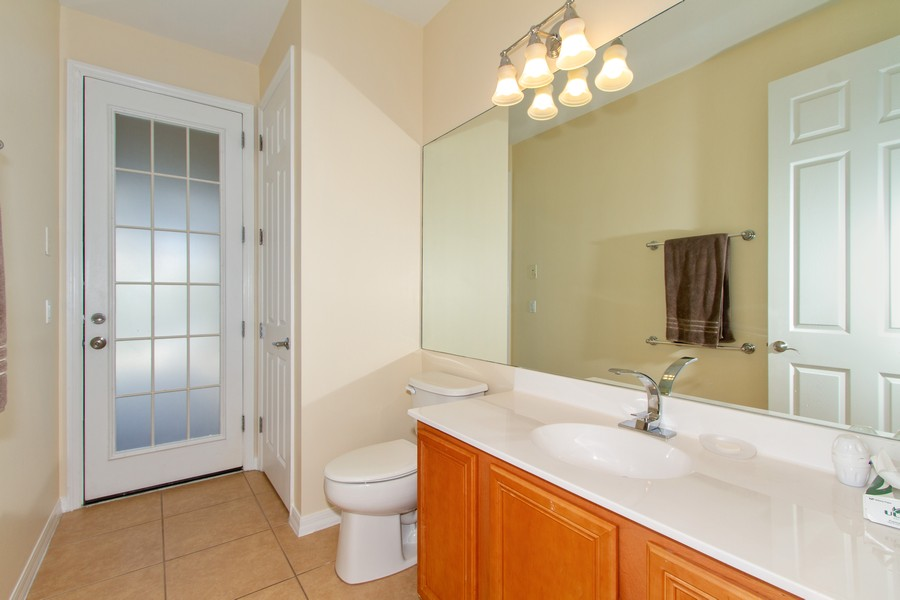 Real Estate Photography - 2099 Sagebrush Cir, Naples, FL, 34120 - Bathroom