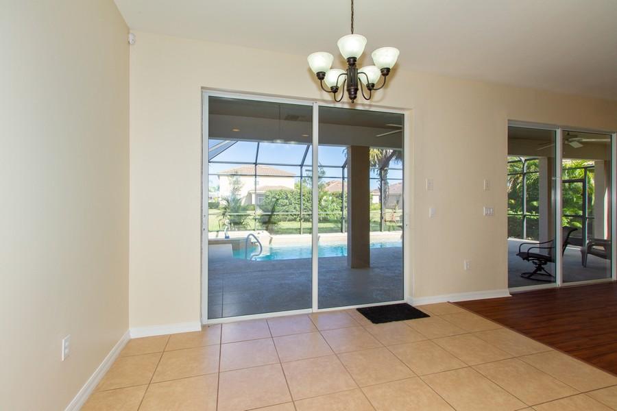 Real Estate Photography - 2099 Sagebrush Cir, Naples, FL, 34120 - Breakfast Nook