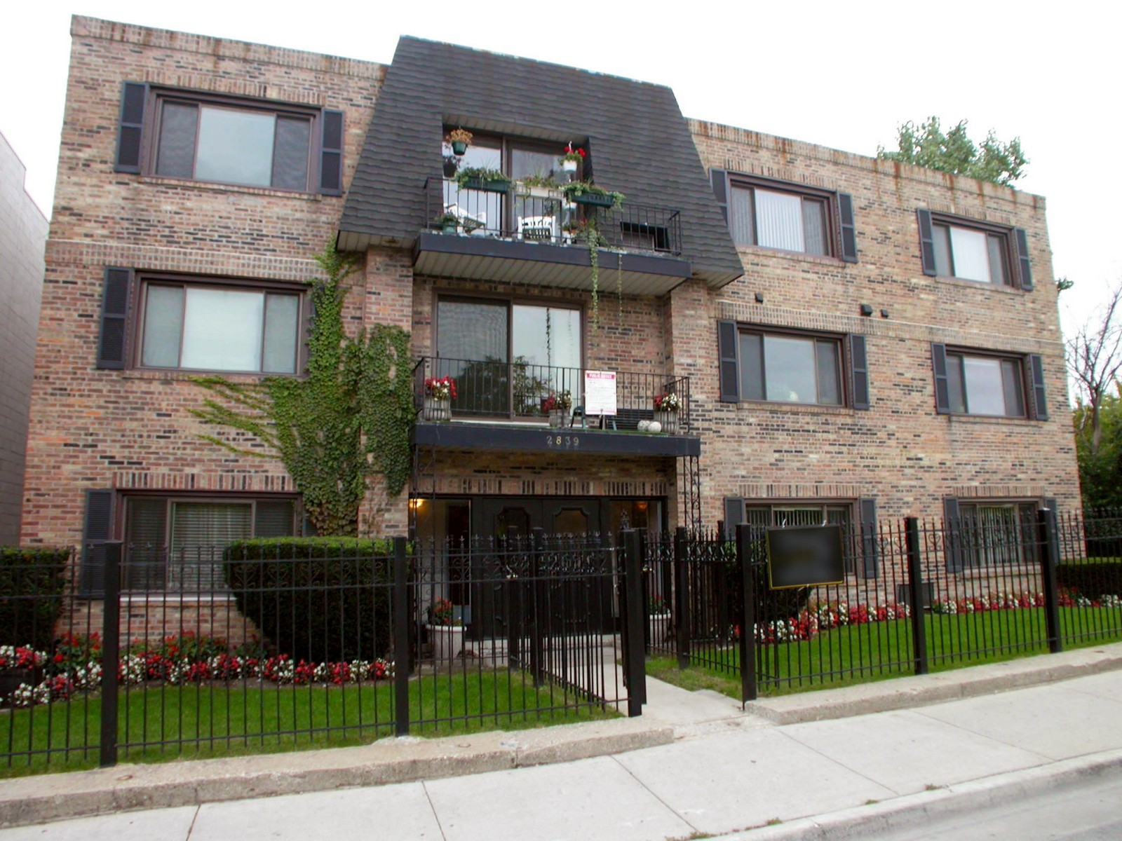 Real Estate Photography - 2839 W Lawrence, Chicago, IL, 60625 - Front View