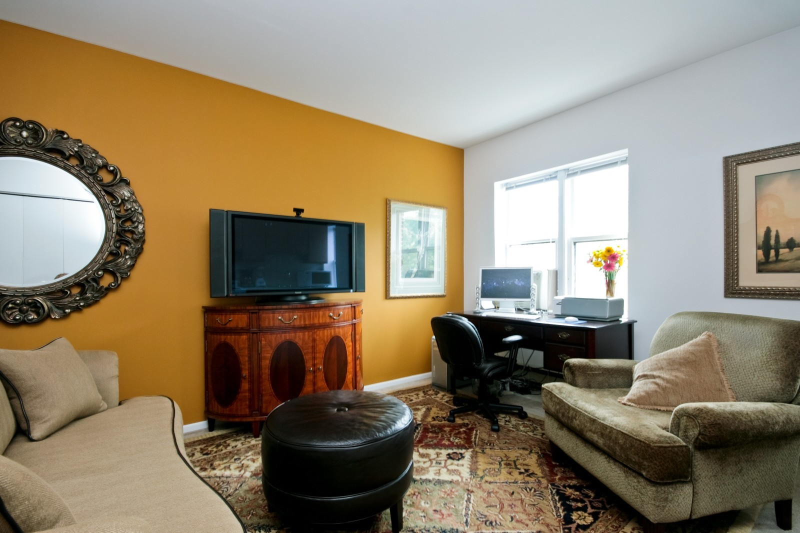 Real Estate Photography - 549 W Aldine, Chicago, IL, 60657 - Living Room