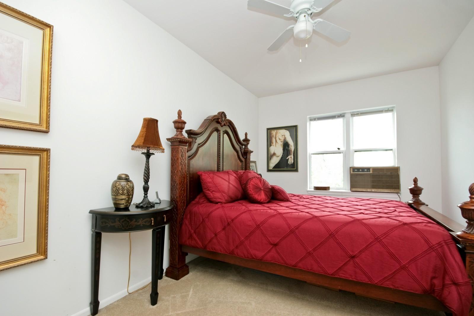 Real Estate Photography - 549 W Aldine, Chicago, IL, 60657 - Bedroom
