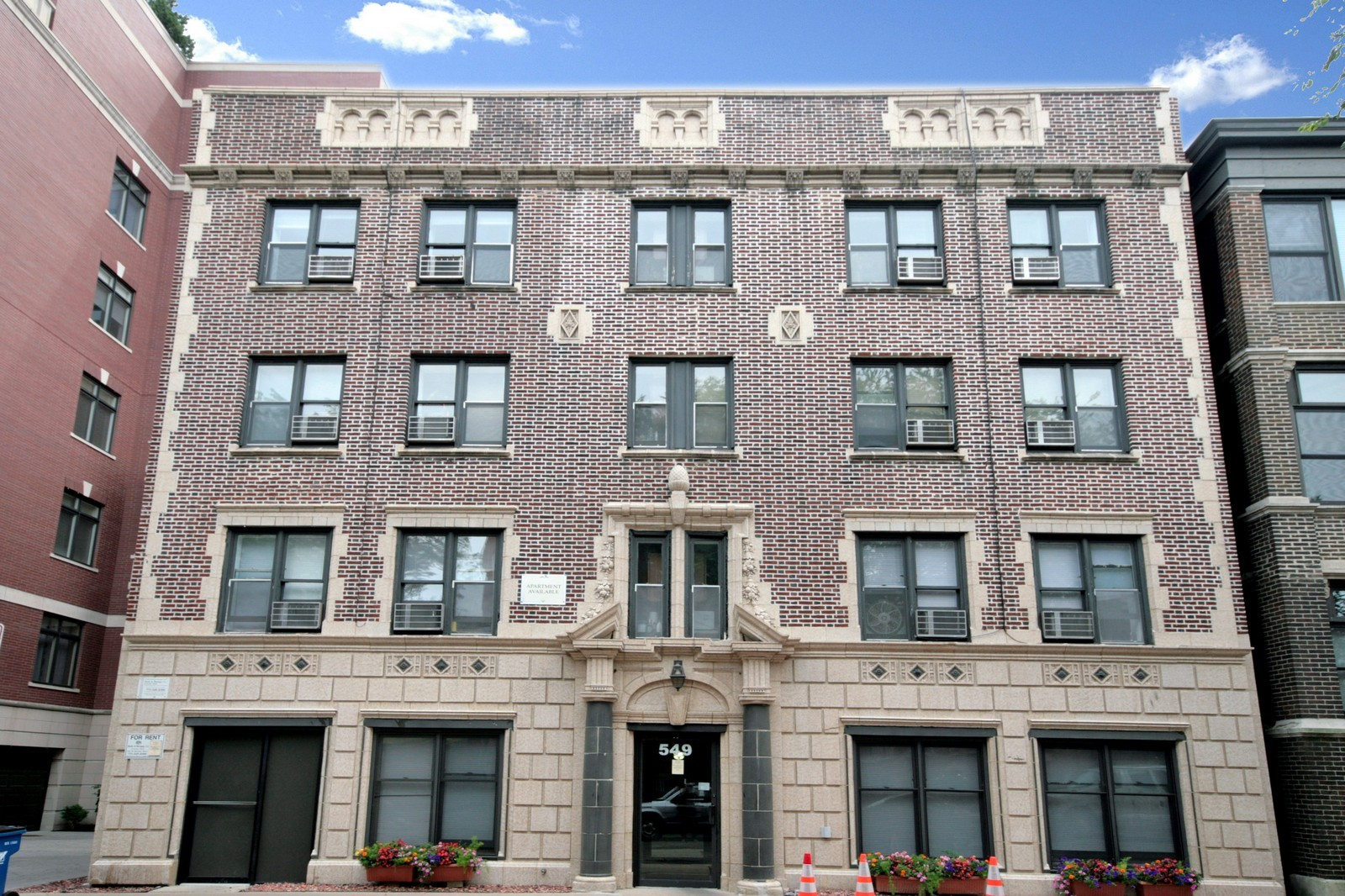 Real Estate Photography - 549 W Aldine, Chicago, IL, 60657 - Front View