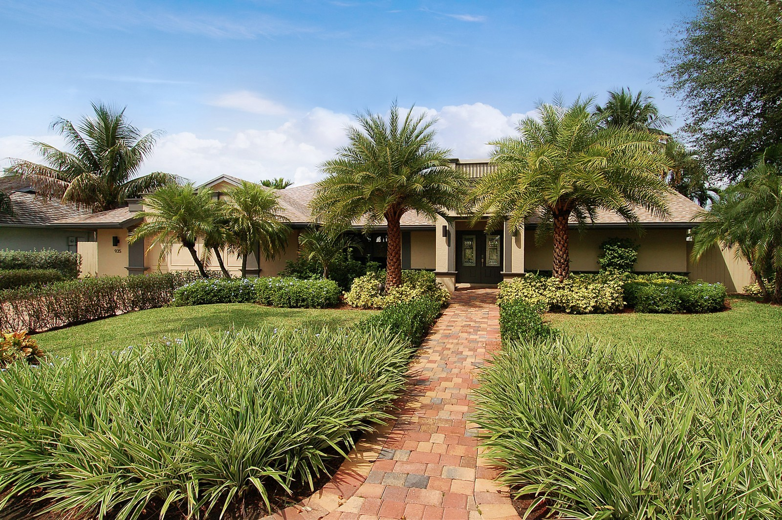 Real Estate Photography - 935 Gardenia Dr, Delray Beach, FL, 33483 - Front View