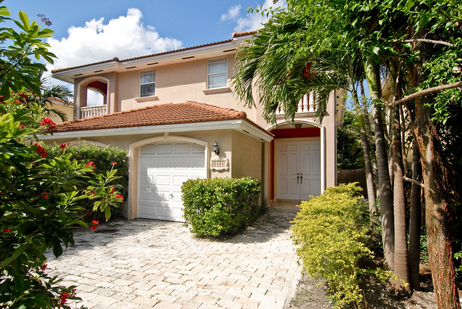 Real Estate Photography - 3034 Indiana St, Miami, FL, 33133 - Entryway