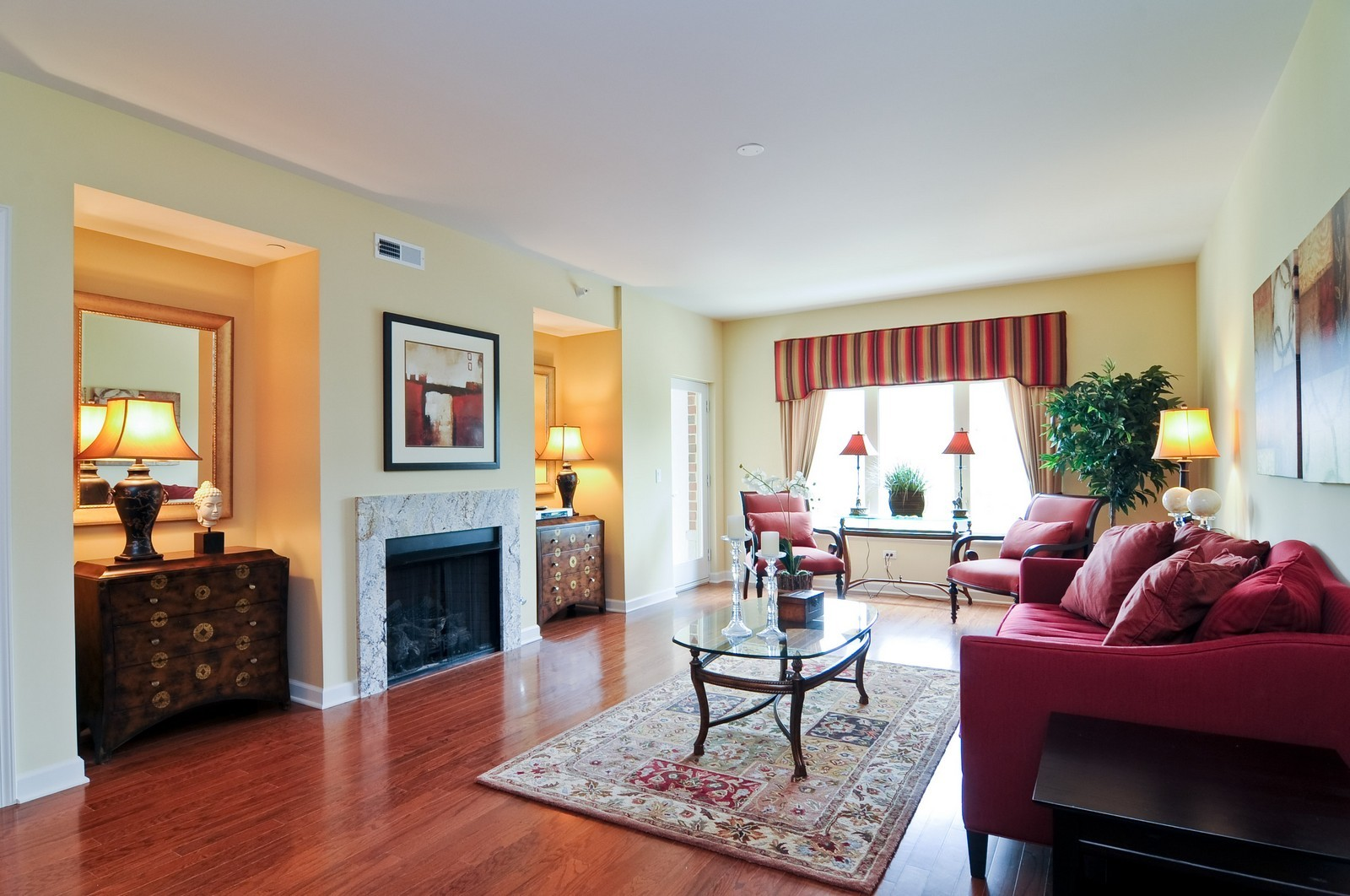 Real Estate Photography - 450 Village Green, Unit 213, Lincolnshire, IL, 60069 - Living Room