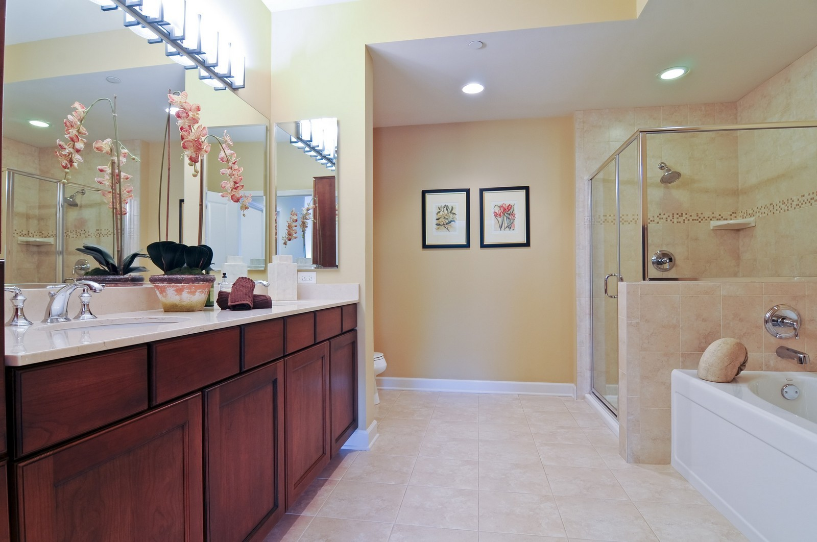 Real Estate Photography - 450 Village Green, Unit 213, Lincolnshire, IL, 60069 - Master Bathroom