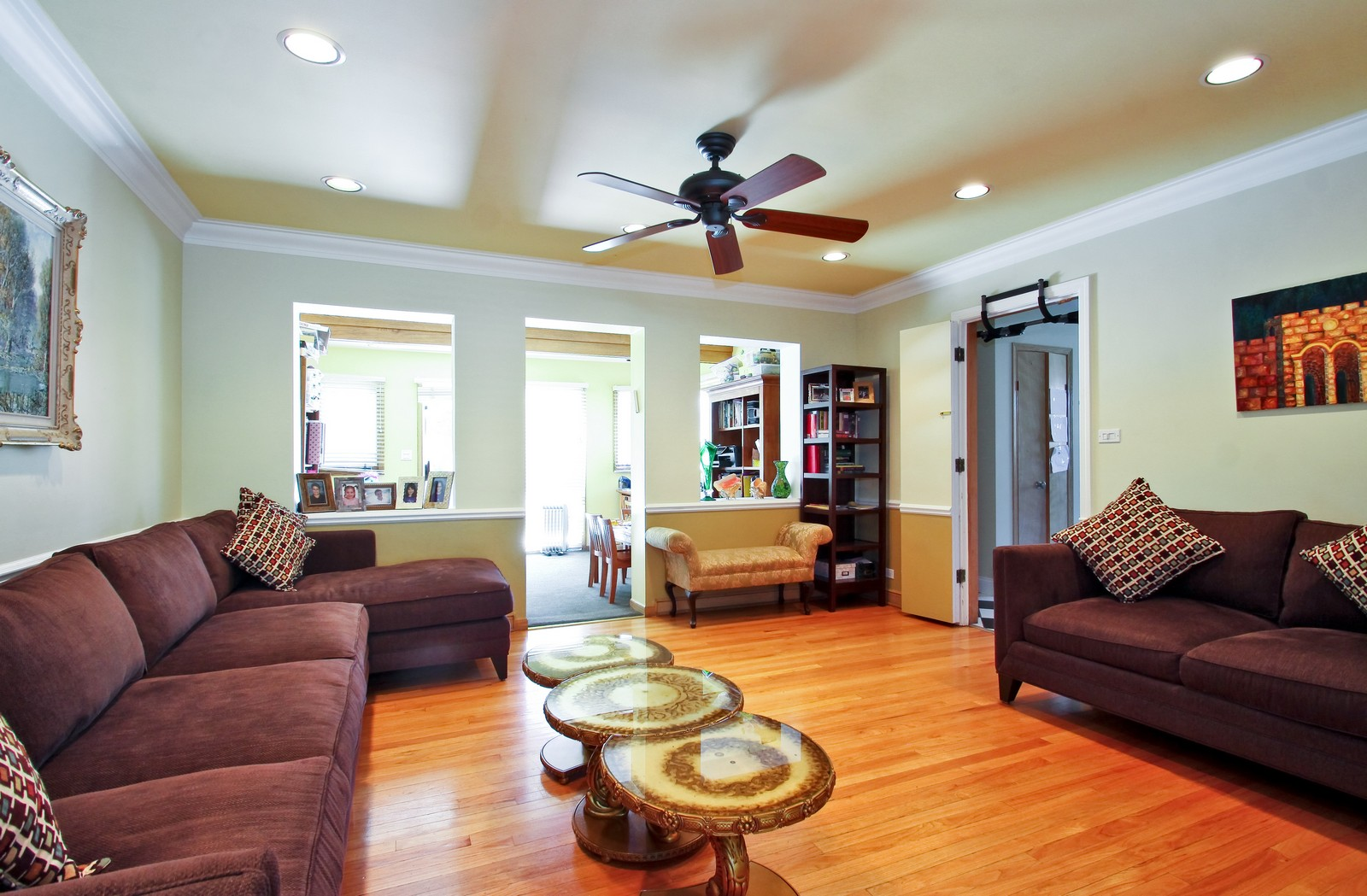 Real Estate Photography - 6645 N Central Park Ave, Lincolnwood, IL, 60712 - Living Room