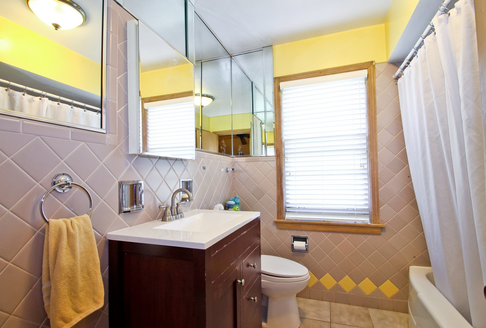 Real Estate Photography - 6645 N Central Park Ave, Lincolnwood, IL, 60712 - 3rd Bathroom