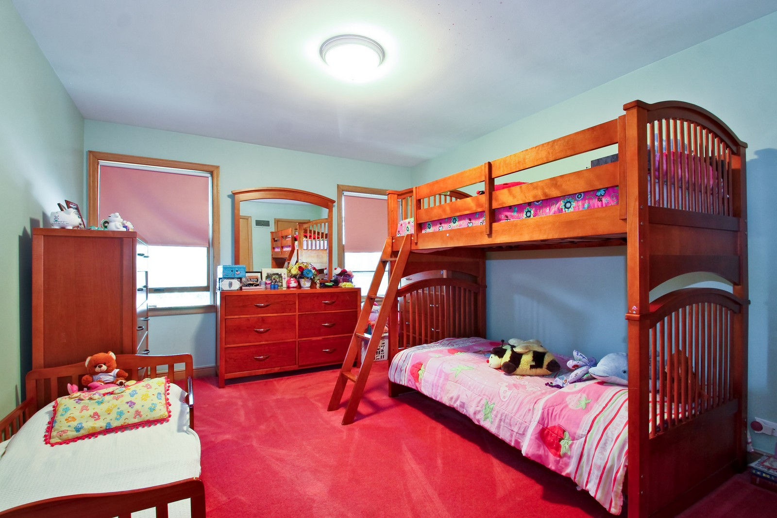 Real Estate Photography - 6645 N Central Park Ave, Lincolnwood, IL, 60712 - 3rd Bedroom