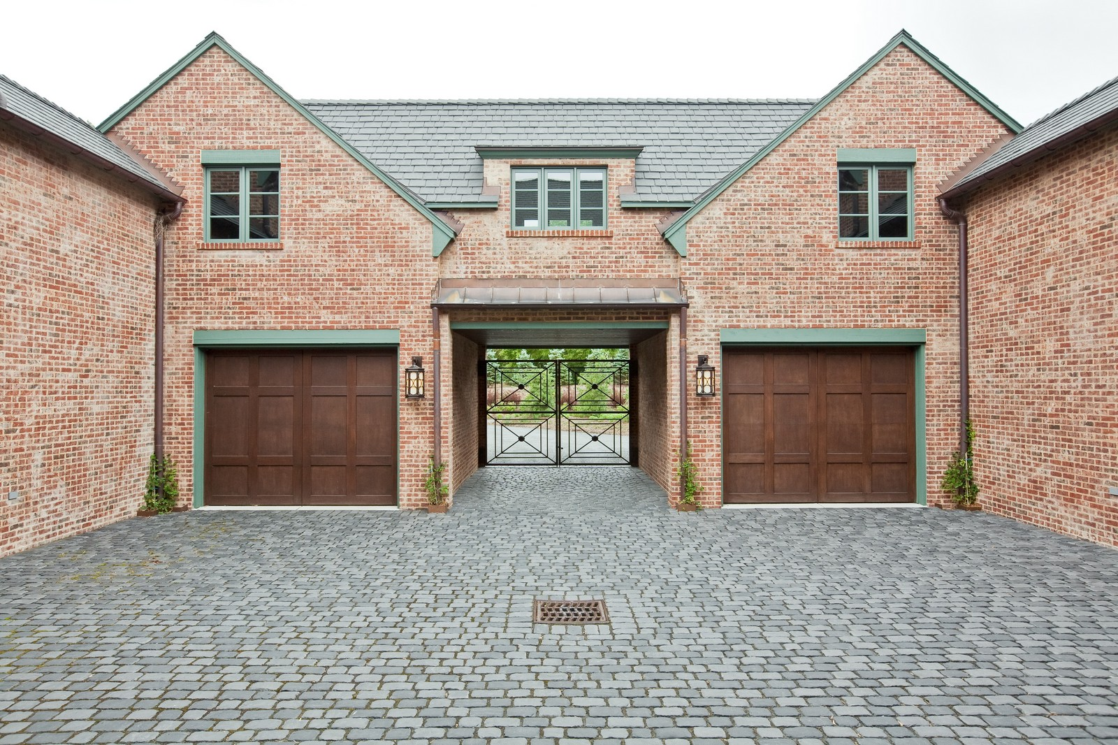 Real Estate Photography - 6143 Madison, Burr Ridge, IL, 60527 - Garage
