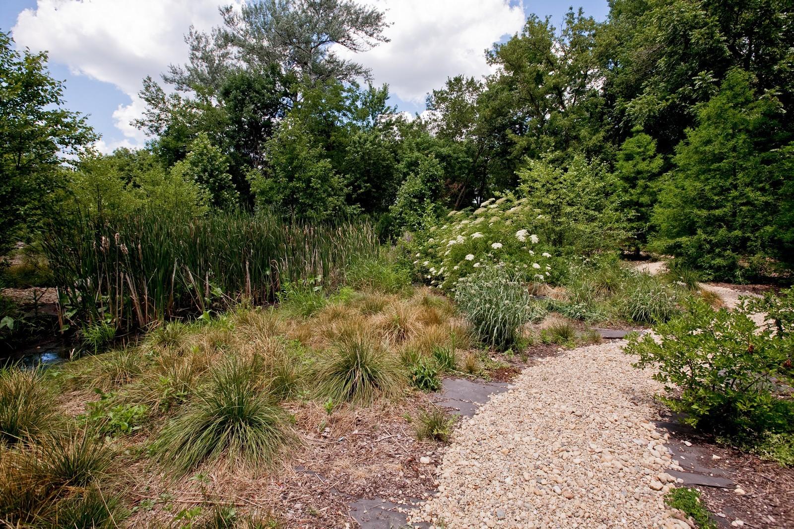 Real Estate Photography - 6143 Madison, Burr Ridge, IL, 60527 - Walking Path