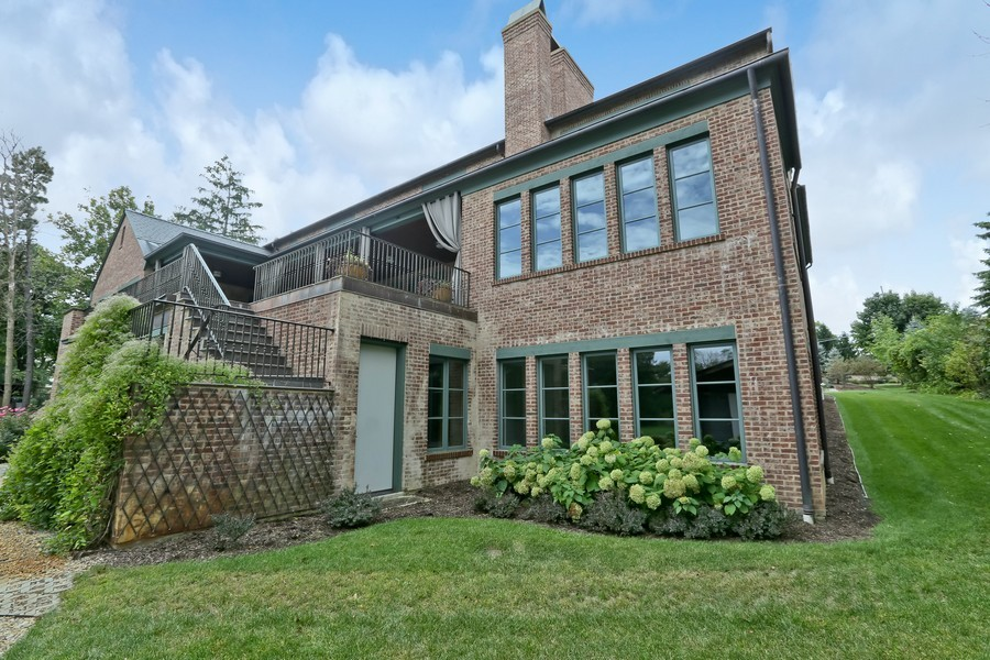 Real Estate Photography - 6143 Madison, Burr Ridge, IL, 60527 - Side View