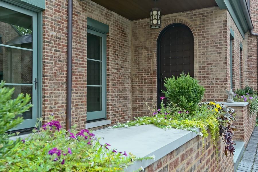 Real Estate Photography - 6143 Madison, Burr Ridge, IL, 60527 - Entryway
