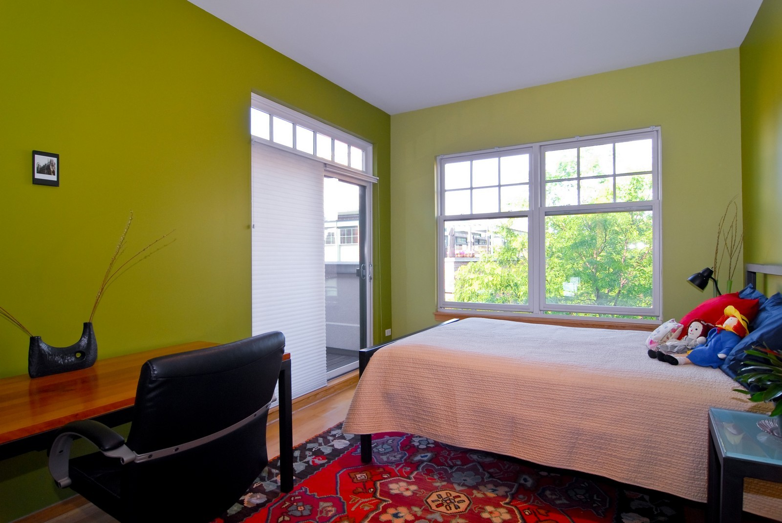Real Estate Photography - 101 N Euclid, Unit 21, Oak Park, IL, 60302 - 3rd Bedroom