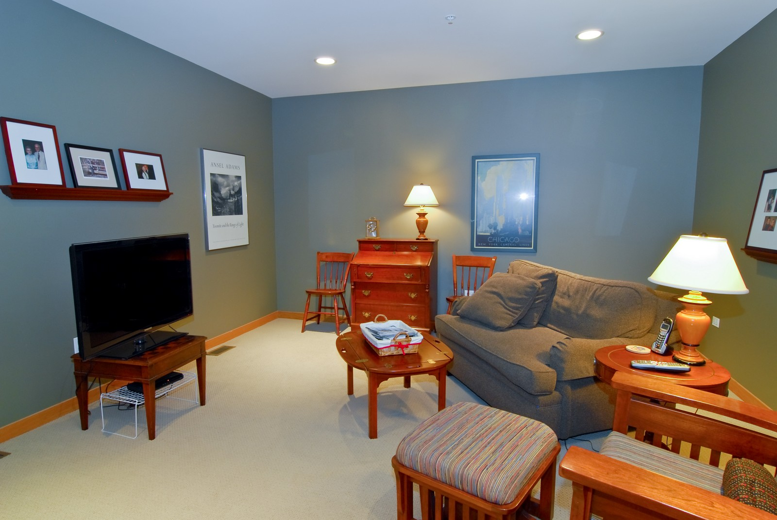 Real Estate Photography - 101 N Euclid, Unit 21, Oak Park, IL, 60302 - Family Room