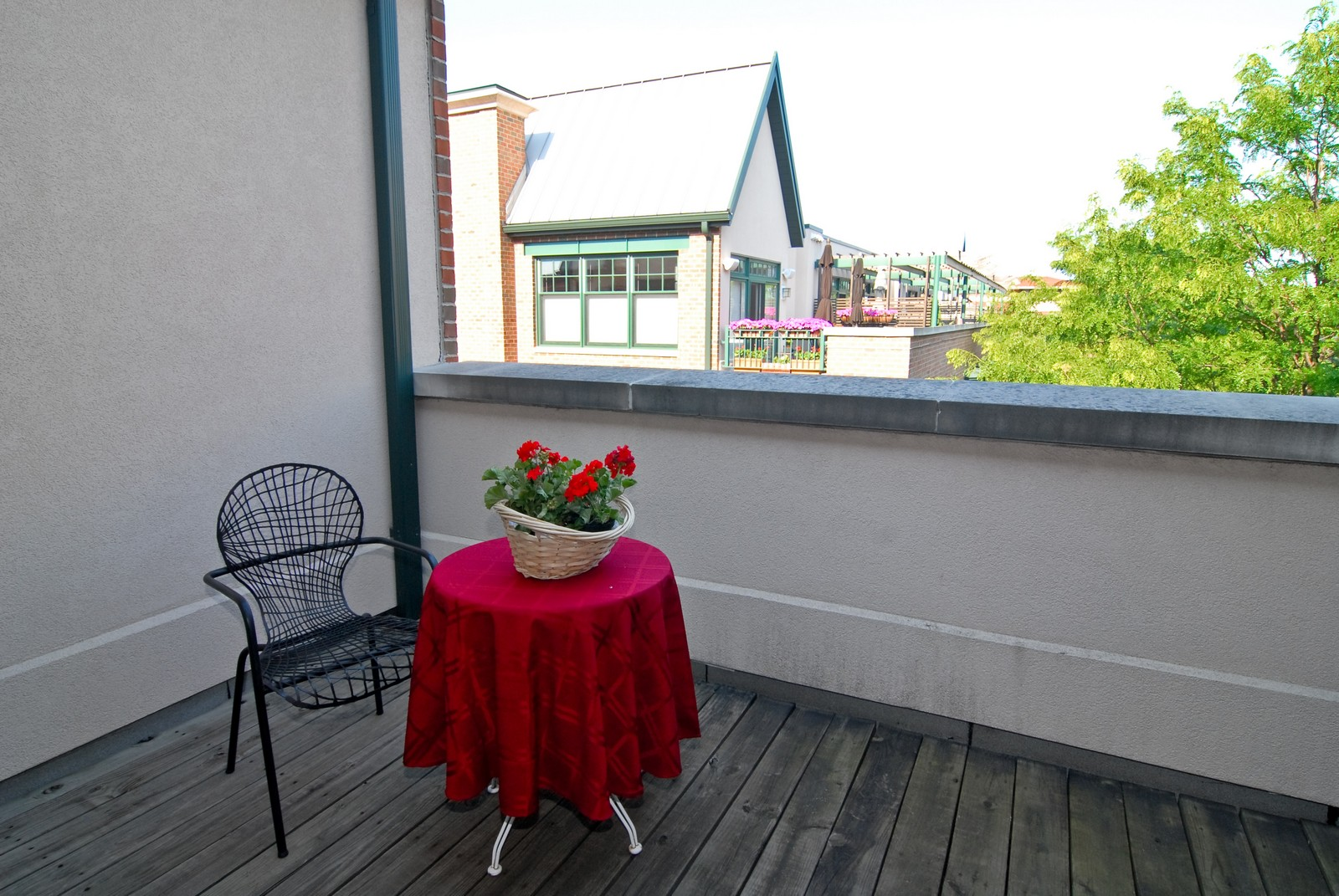 Real Estate Photography - 101 N Euclid, Unit 21, Oak Park, IL, 60302 - Balcony