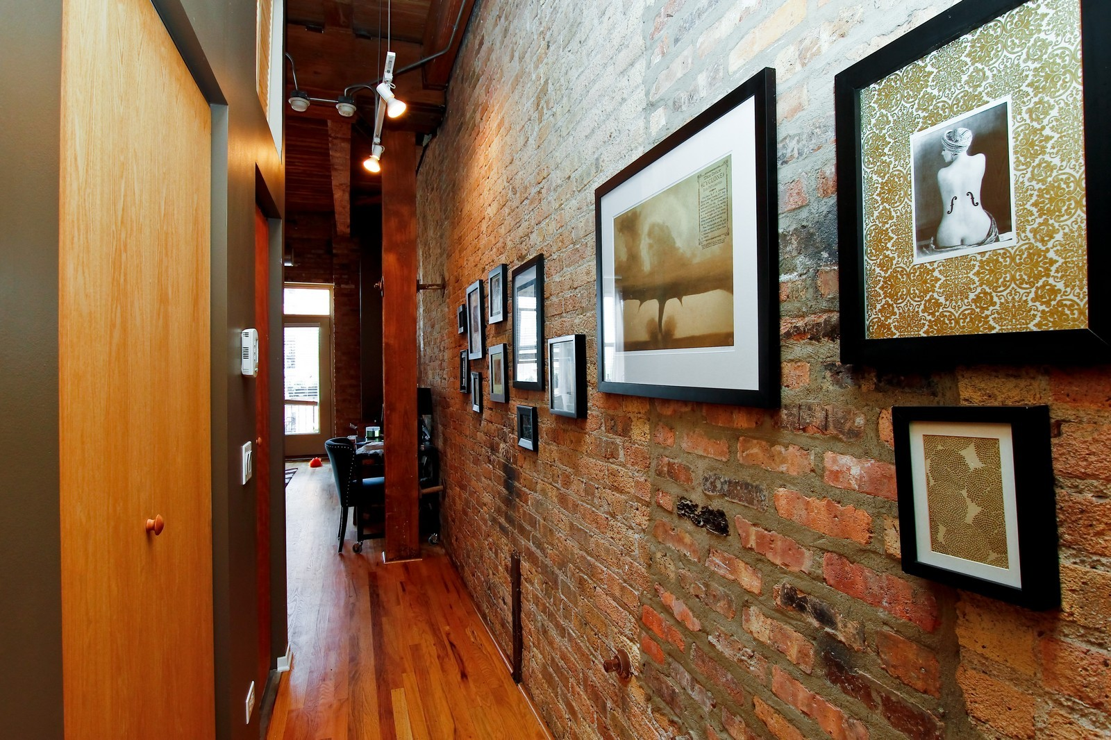 Real Estate Photography - 1500 W Monroe, 616, Chicago, IL, 60607 - Foyer