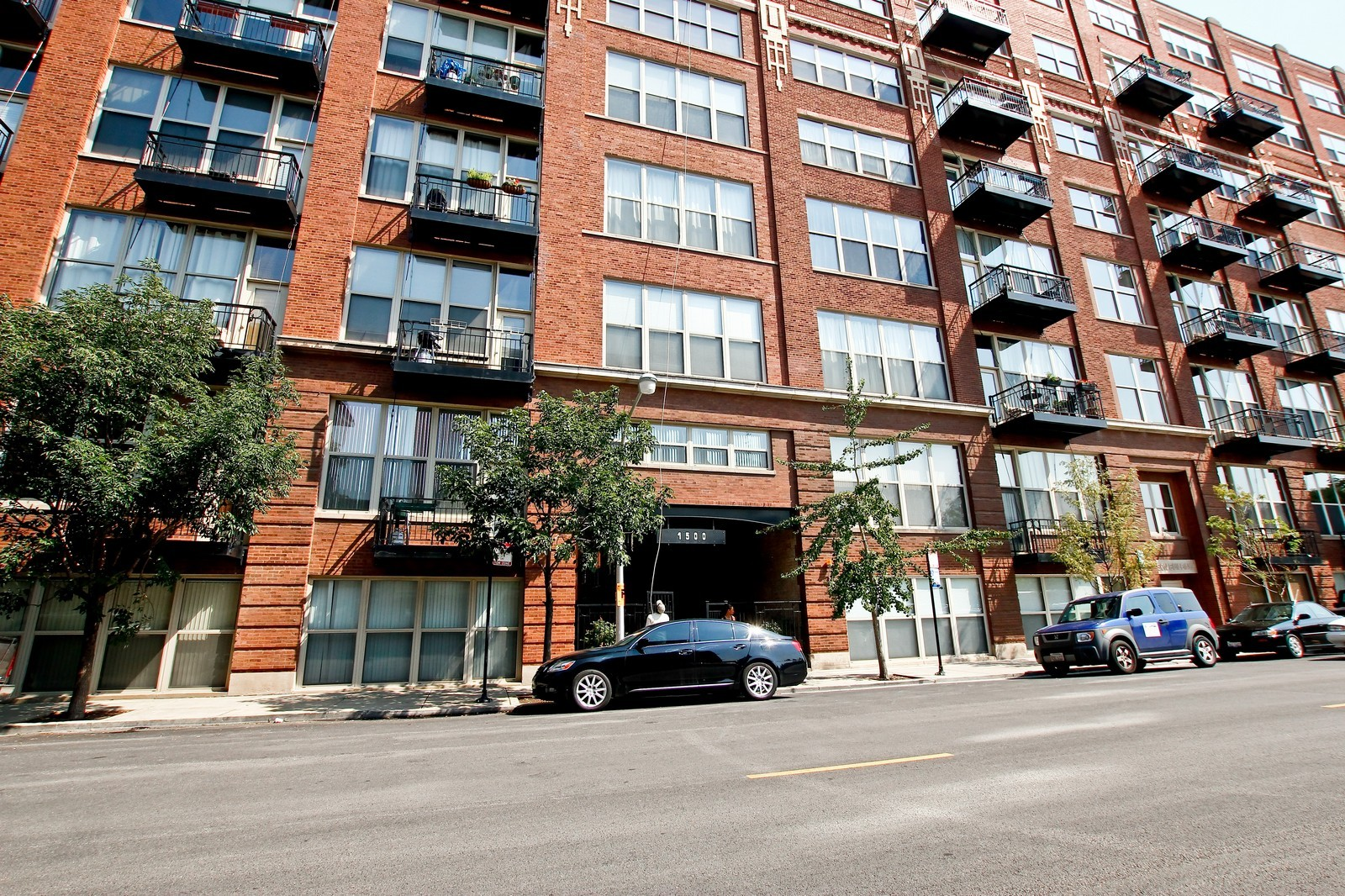 Real Estate Photography - 1500 W Monroe, 616, Chicago, IL, 60607 - Front View