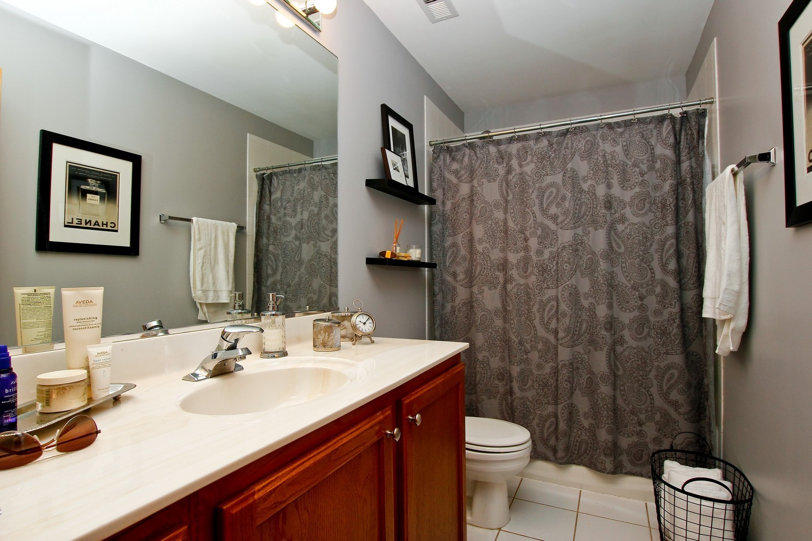 Real Estate Photography - 1500 W Monroe, 616, Chicago, IL, 60607 - Bathroom