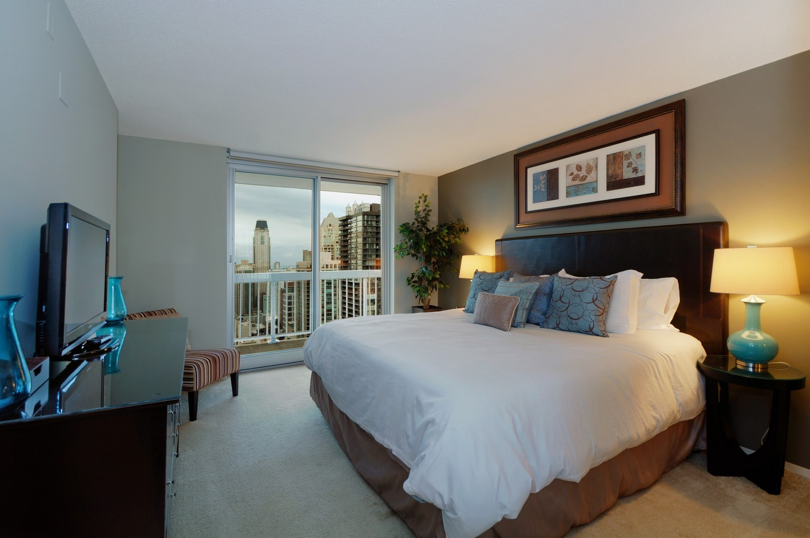 Real Estate Photography - 540 N State, Fl 48, Chicago, IL, 60654 - Master Bedroom