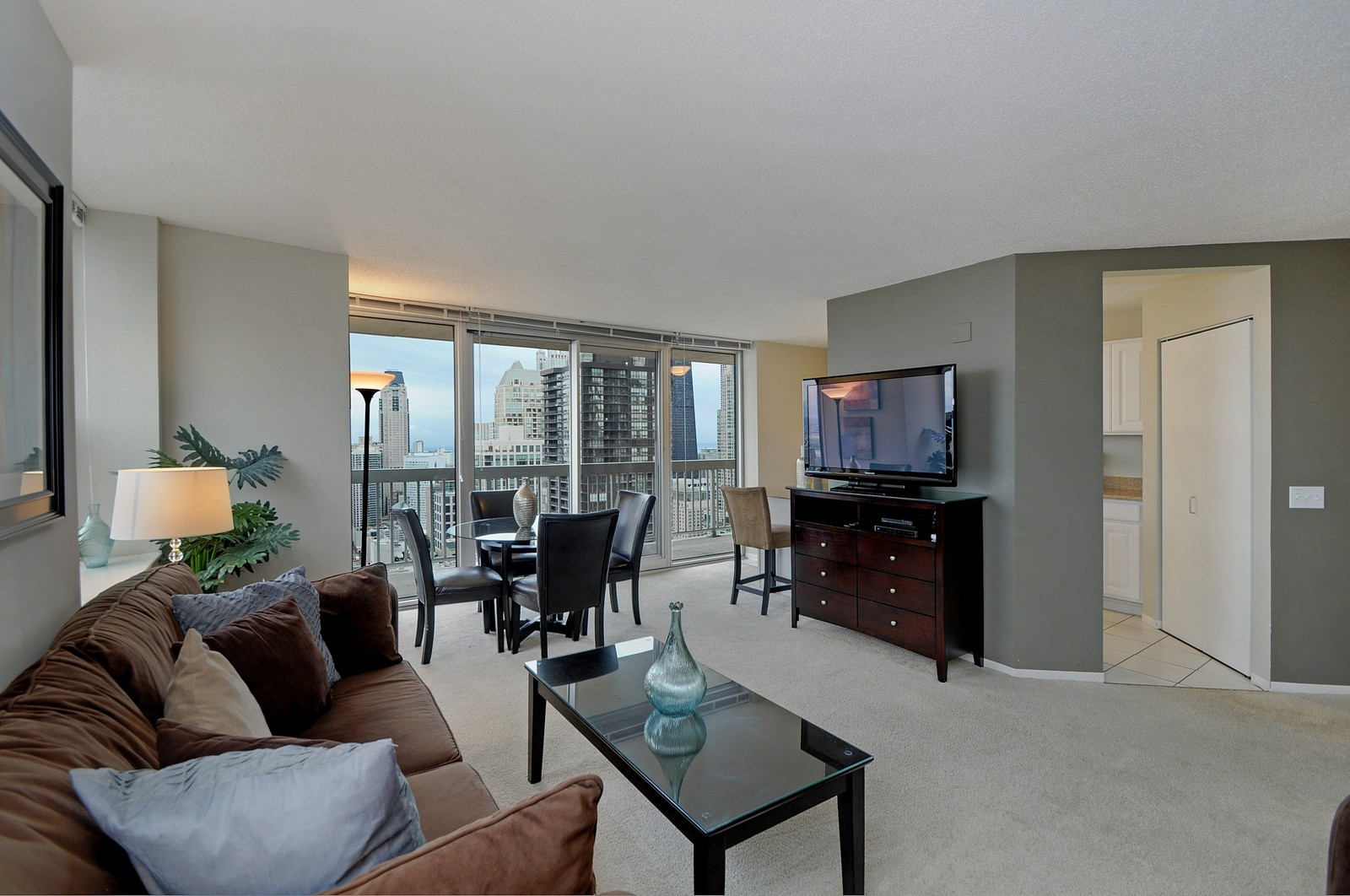 Real Estate Photography - 540 N State, Fl 48, Chicago, IL, 60654 - Living Room