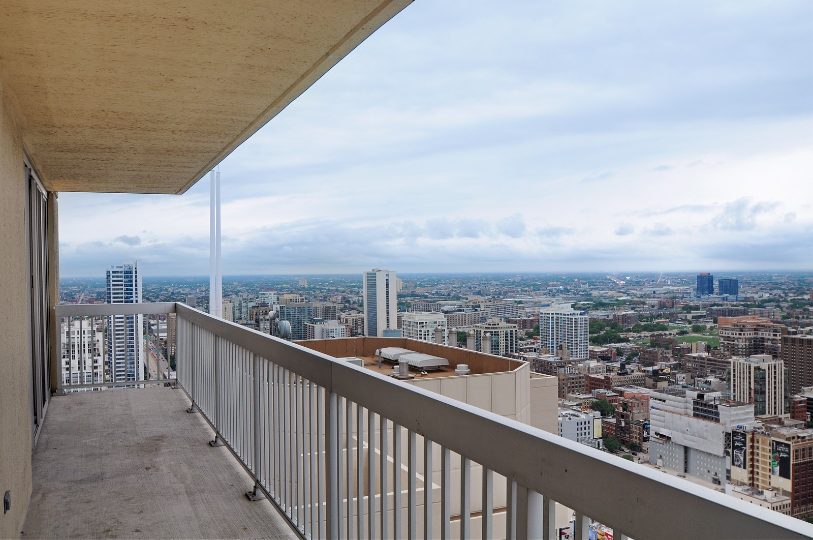 Real Estate Photography - 540 N State, Fl 48, Chicago, IL, 60654 - Balcony