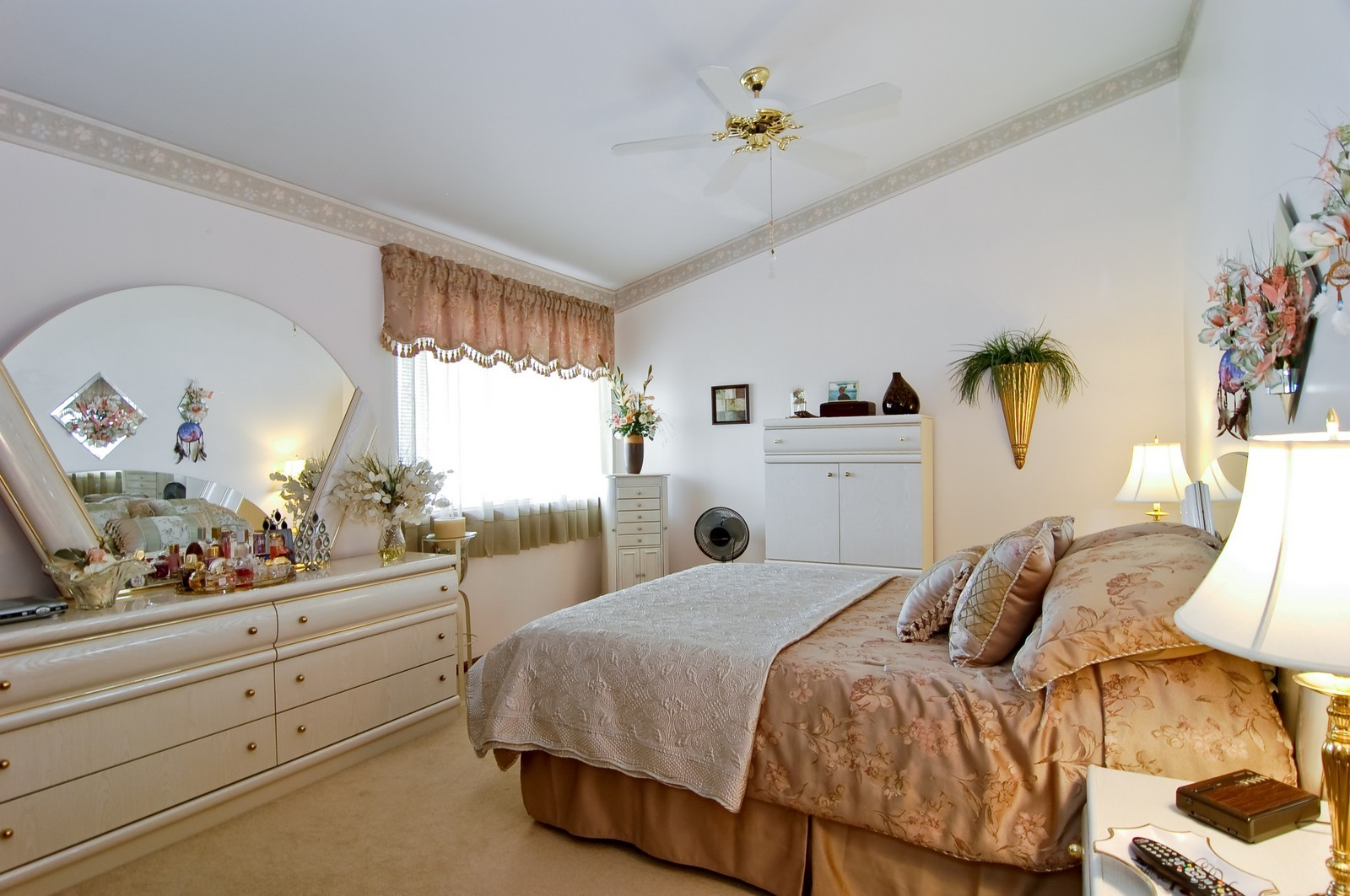 Real Estate Photography - 1013 Bedford, Carol Stream, IL, 60188 - Master Bedroom