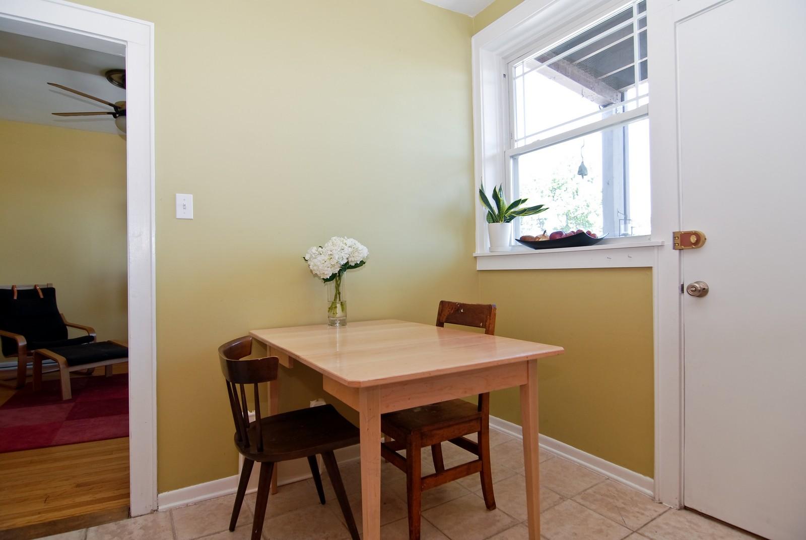 Real Estate Photography - 2658 W. Altgeld #3, Chicago, IL, 60647 - Kitchen