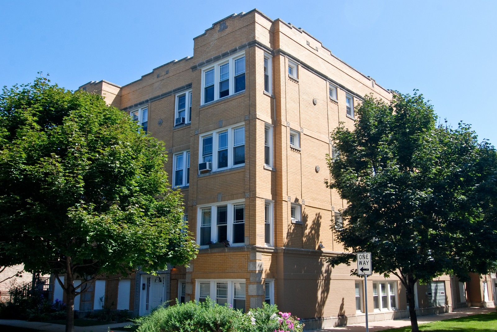 Real Estate Photography - 2658 W. Altgeld #3, Chicago, IL, 60647 - Front View