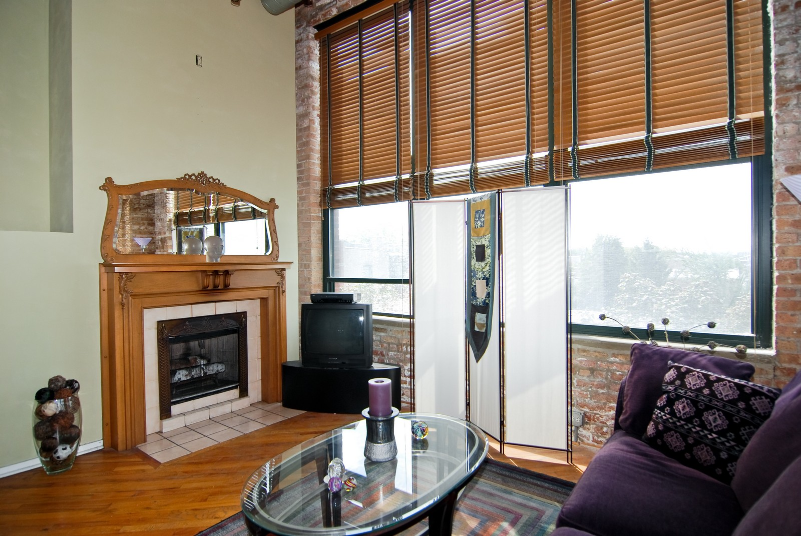 Real Estate Photography - 2654 W Medill, Unit 301, Chicago, IL, 60647 - Living Room
