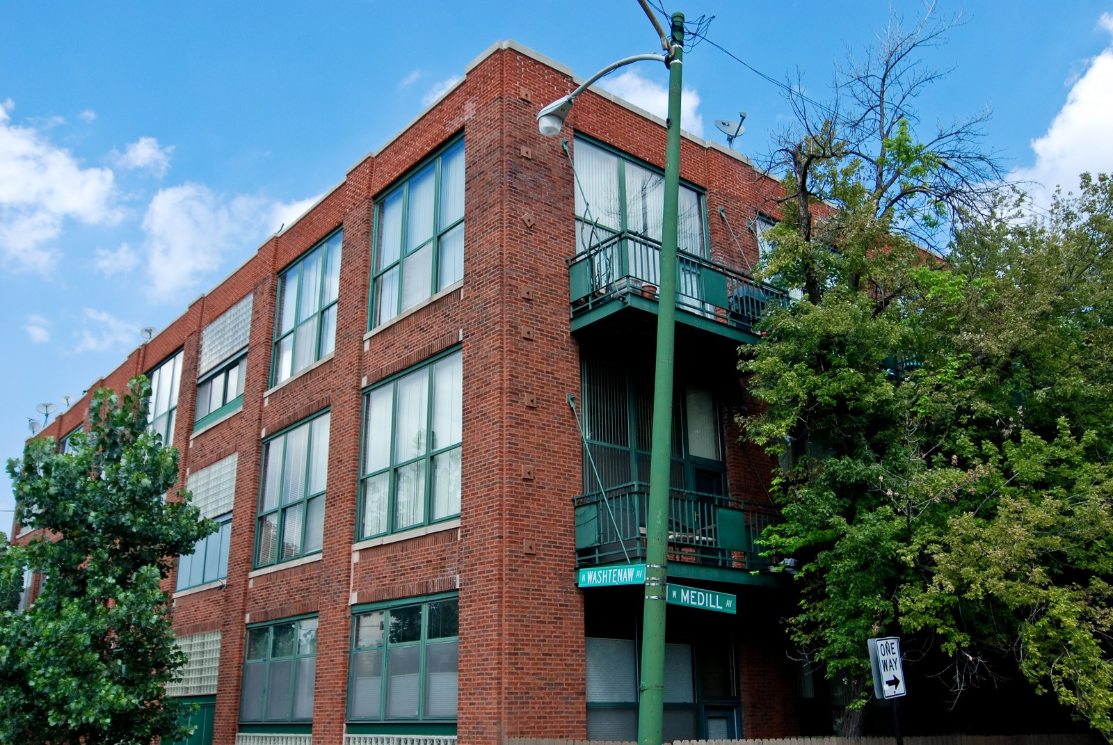 Real Estate Photography - 2654 W Medill, Unit 301, Chicago, IL, 60647 - Front View
