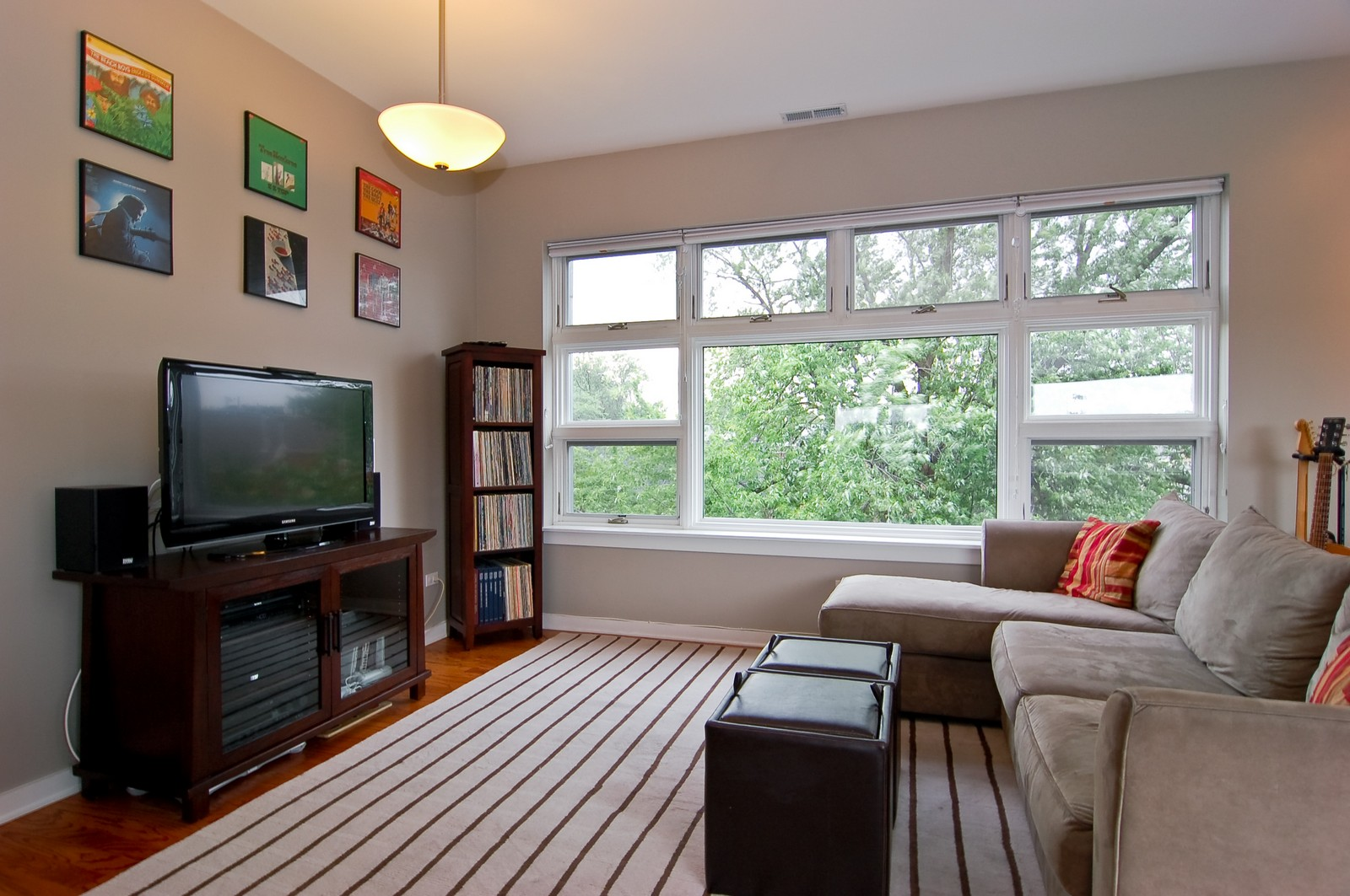 Real Estate Photography - 3741 N. Wolcott, Unit 13, Chicago, IL, 60613 - Living Room