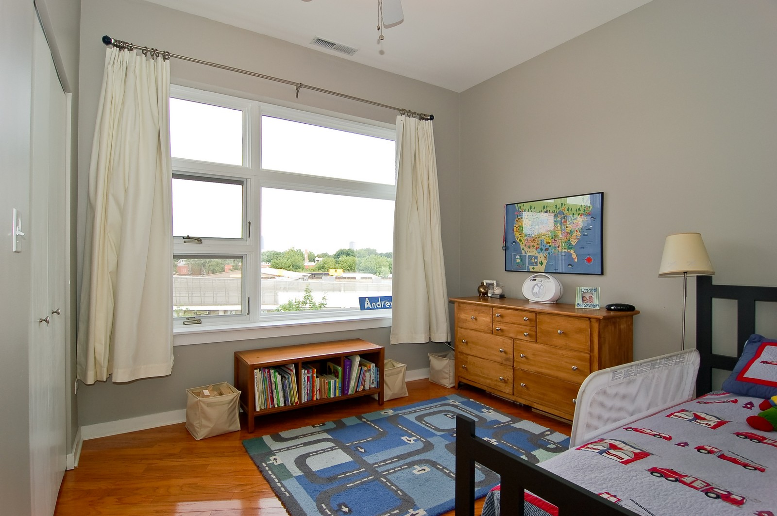 Real Estate Photography - 3741 N. Wolcott, Unit 13, Chicago, IL, 60613 - Second Bedroom
