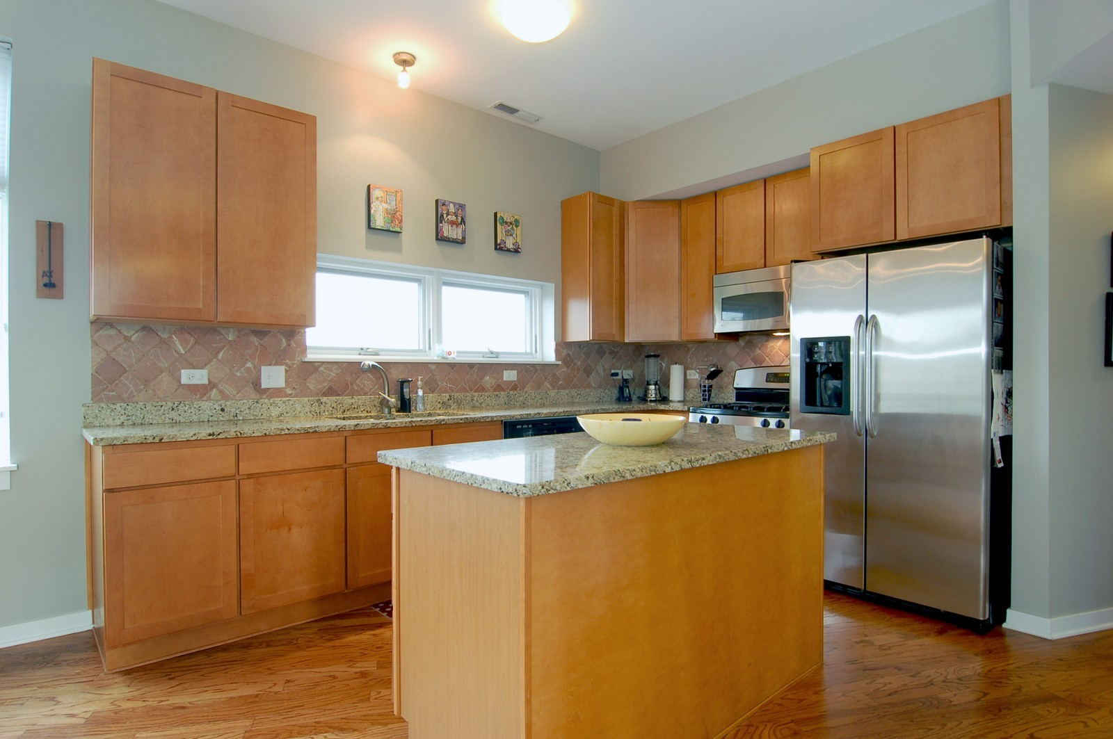 Real Estate Photography - 3741 N. Wolcott, Unit 13, Chicago, IL, 60613 - Kitchen