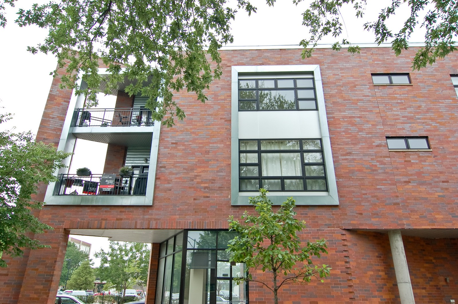 Real Estate Photography - 3741 N. Wolcott, Unit 13, Chicago, IL, 60613 - Front View
