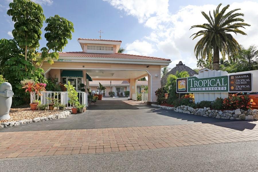 Real Estate Photography 6707 Sarasea Circle Tropical Beach Resort Siesta Key
