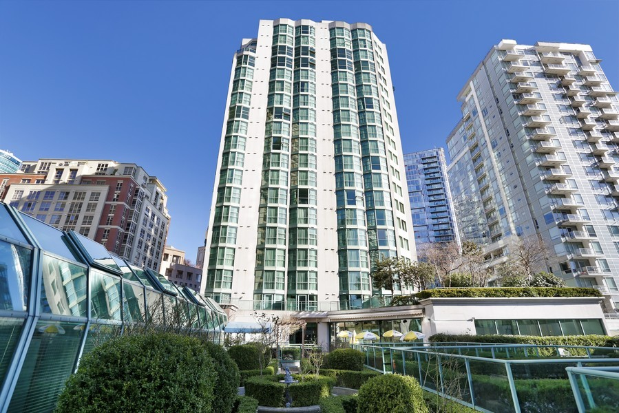 Real Estate Photography 838 Hamilton Street Rosedale On Robson Suite Hotel Vancouver