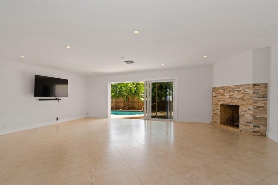 Real Estate Photography - 3431 NE 18 Avenue, Oakland Park, FL, 33306 - Living Room