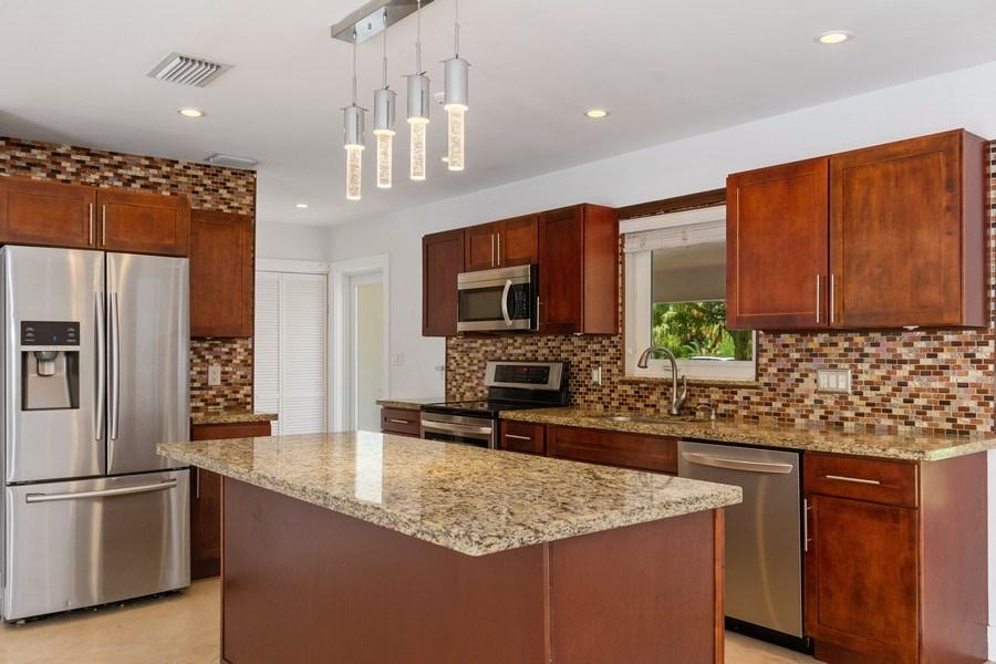 Real Estate Photography - 3431 NE 18 Avenue, Oakland Park, FL, 33306 - Kitchen