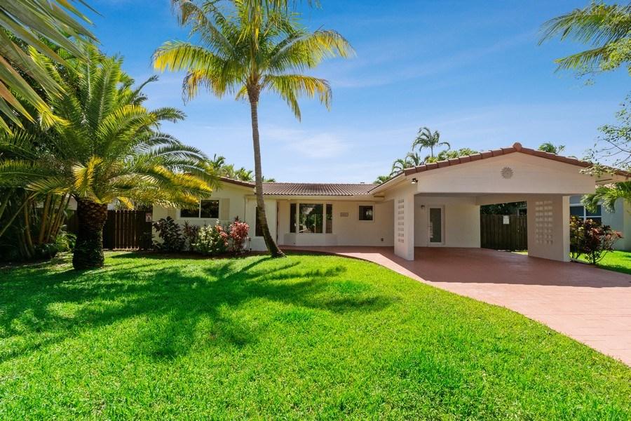Real Estate Photography - 3431 NE 18 Avenue, Oakland Park, FL, 33306 - Front View
