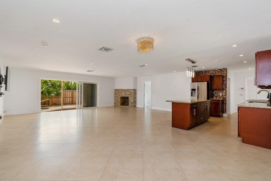 Real Estate Photography - 3431 NE 18 Avenue, Oakland Park, FL, 33306 - Kitchen/Living