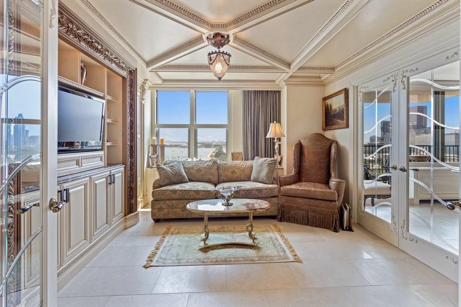 Real Estate Photography - 400 E Randolph #2119, Chicago, IL, 60601 - Family Room