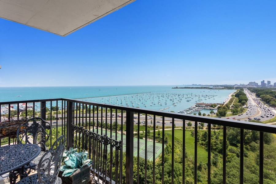 Real Estate Photography - 400 E Randolph #2119, Chicago, IL, 60601 - Balcony