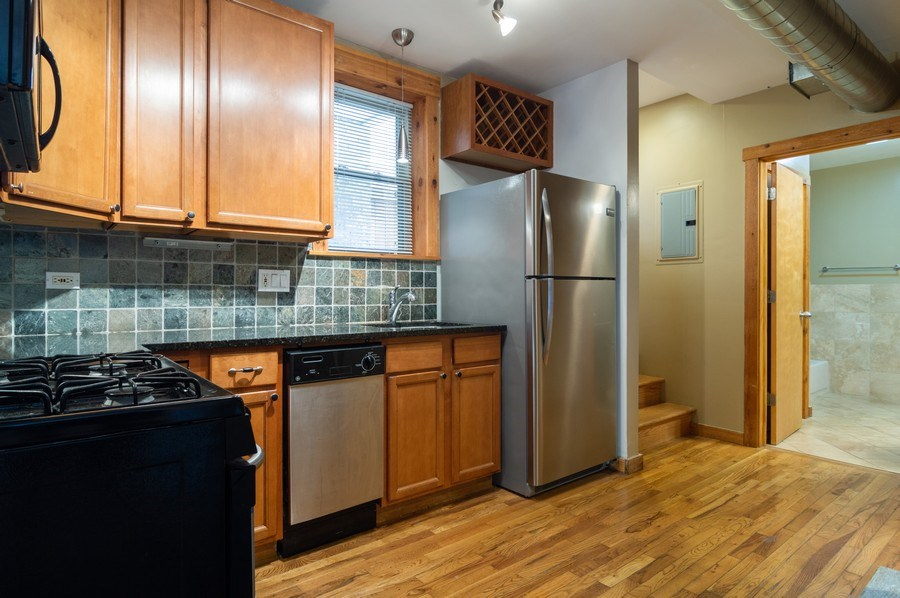 Real Estate Photography - 4104 N Mozart, GE, Chicago, IL, 60618 - Kitchen